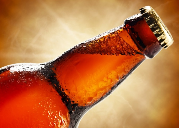 Как открывать пиво без открывашки?